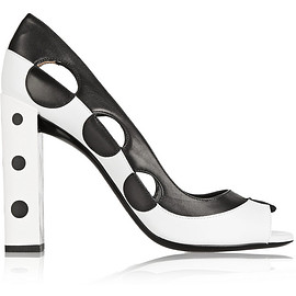 FENDI - Two-tone cutout pumps