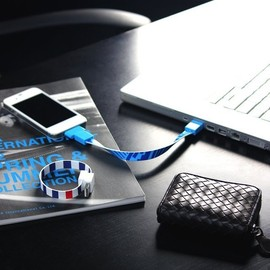 Mohzy - Loop - micro usb & iPhone/iPod cable