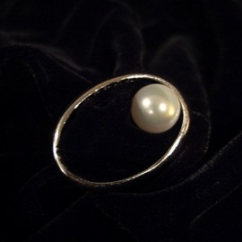 Maison Martin Margiela - inside out pearl ring