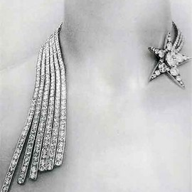 CHANEL - 1932 Diamond Comet Necklace.  From <Jewelry Chanel