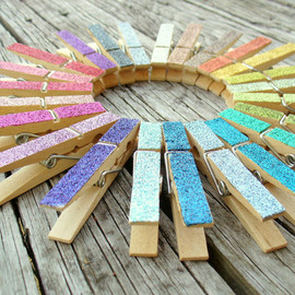 PeaceLoveAndRoses - Pick 3 Magnets Glitter Clothespins