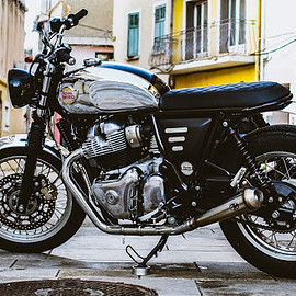 Taverne Motorcycle - Royal Enfield 650 interceptor