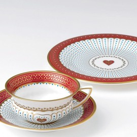 Wedgwood - Queen of Hearts Teacup and Saucer