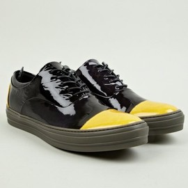 Alexander McQueen - Two Tone Patent Low-Top Sneakers