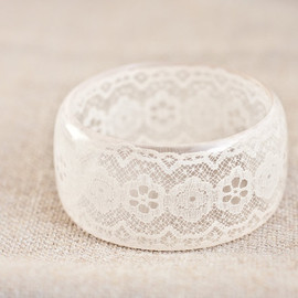 daimblond - Lace Resin/Bangle Bracelet