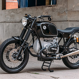 Analog Motorcycles - BMW R90/6 cafe racer