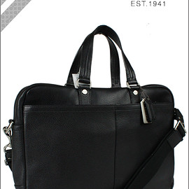 COACH - PEBBLED LEATHER TRANS ATLANTIC SMALL COMMUTER