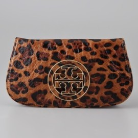 TORY BURCH - Tory Burch Ainsley Logo Clutch