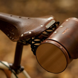 WalnutStudiolo - Seat Barrel Bag