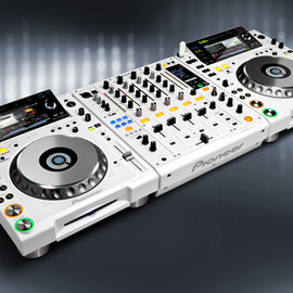 Pioneer - brilliant-white models of the CDJ-2000 and DJM-900nexus
