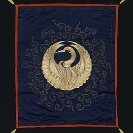 Silk 'fukusa' (gift cloth).  19th century, Japan. 'Silk, gold metallic thread; satin-weave ground