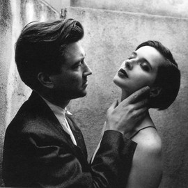 Helmut Newton - David Lynch and Isabella Rossellini on the set of Blue Velvet, 1986