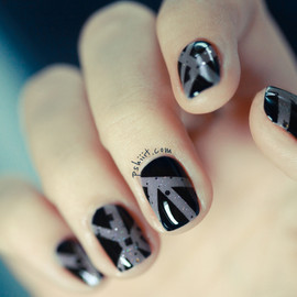 Chinchilly - scotch tape nails