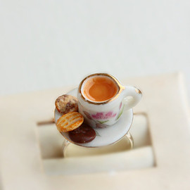 bookmarksnrings - Cup of Tea and Digestive Biscuits Food Ring