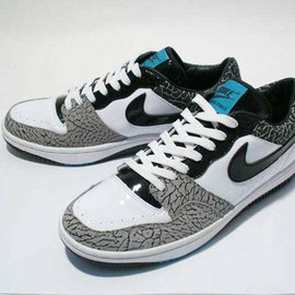 NIKE - Court Force Low Premium x Atmos