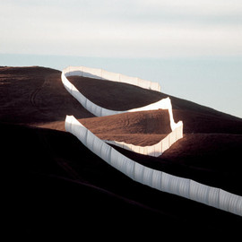 Christo and Jeanne-Claude - Running Fence, Sonoma and Marin Counties, California, 1972-76
