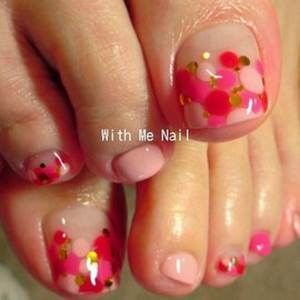 Toe-nails /Summer Ideas, Pink dots