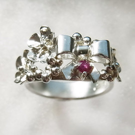 u∞e jewelry - Hana Ribon ring