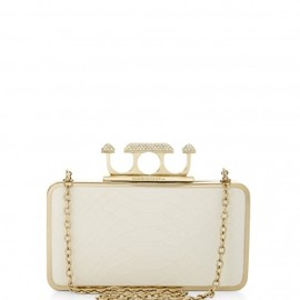 BCBG MAX AZRIA - ZOE PYRAMID KNUCKLE BOX CLUTCH