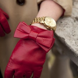red bow gloves