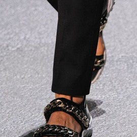 GIVENCHY by Riccardo Tisci - BLACK LEATHER CHAIN DETAIL SANDALS