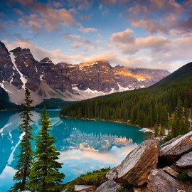 Canada - Moraine Lake at Banff National Park