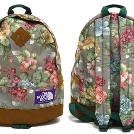 THE NORTH FACE - THE NORTH FACE PURPLE LABEL (ノースフェイス パープルレーベル) MEDIUM DAY PACK Flower Print  [バックパック]【新品】MULTI 276-000141-019x