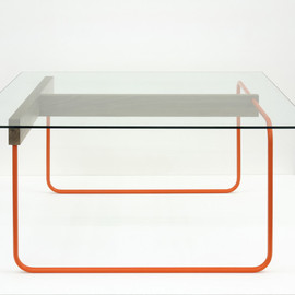 studiomama - T-Table