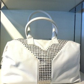 Yves Saint Laurent - White smooth leather studded Easy / Y-rock
