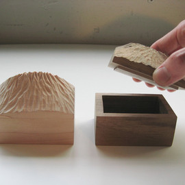 simple wood product - 山の箱