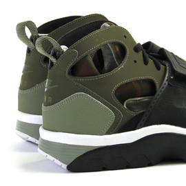 Nike - Air Trainer Huarache - Medium Olive/Black