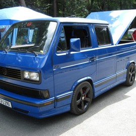 Volkswagen - Vanagon Truck with gorgeous bed cover