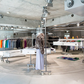 Band of Outsiders - TOKYO STORE