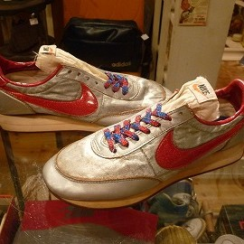 "NIKE - 「<used>80's NIKE NIGHT TRACK silver/red""made in USA"" size:US9(27cm) 29800yen」完売"