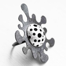 Luulla - Oxidized - Texturized Sterling Silver Ring. Black and White. CRIATURAS MARINAS Ring. Handmade by Maria Goti Joyas