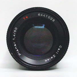 Carl Zeiss - Planar T* F1.4 50mm Contax/Yashica mount