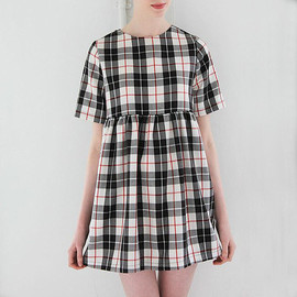 Mod Dolly - Danie White Tartan Smock Dress