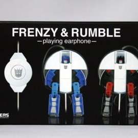TAKARA TOMY - TRANSFORMERS MUSIC LABEL FRENZY&RUMBLE playing earphoe