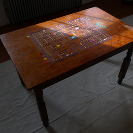 Martin Bunyi - Pacman Table