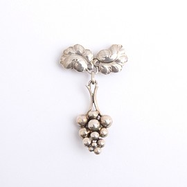 GEORG JENSEN - 吉成 いく子さんのGEORG JENSEN MOONLIGHT GRAPES ブローチ SILVER925