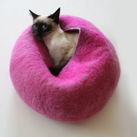 Warm Orange Red Bubble - Hand Felted Wool Cat Bed