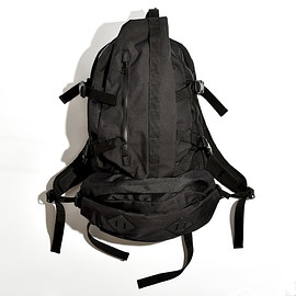 "meanswhile - CORDURA Nylon ""Outside"""