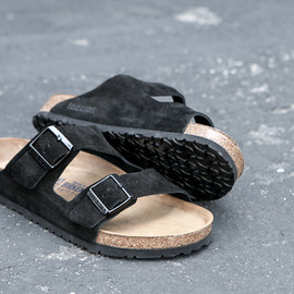 James Perse, Birkenstock - Arizona Suede - Black/Cork