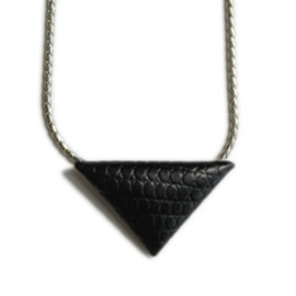 TOGA - Magic Triangle Chain Necklace ( black )
