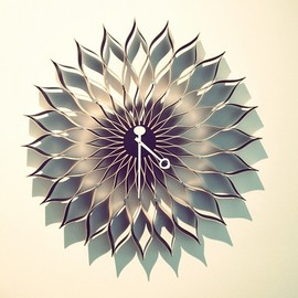 Sunflower Clock by Vitra / design by George Nelson