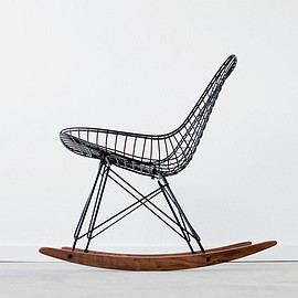 Eames - Wire RKR chair