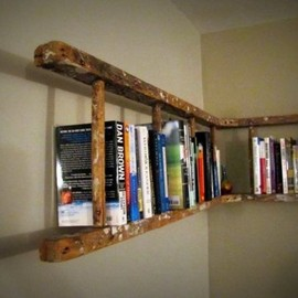 mi casa es su casa - Antique Wooden Ladder Bookshelf