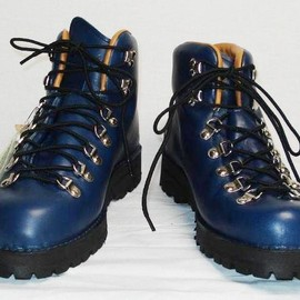 Danner - Mountain Light / Navy / Limited 300 Pairs