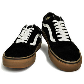 VANS - OLD SKOOL (GUMSOLE) BLACK/MEDIUM GUM