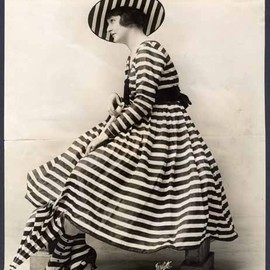 outdoor dress, ca 1917